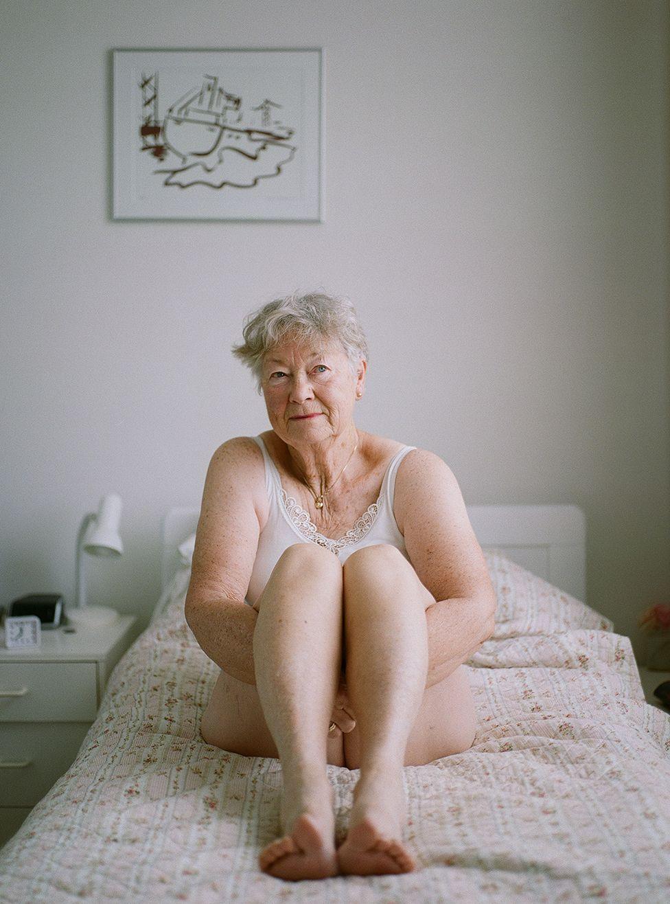Голые Бабушки Бесплатно