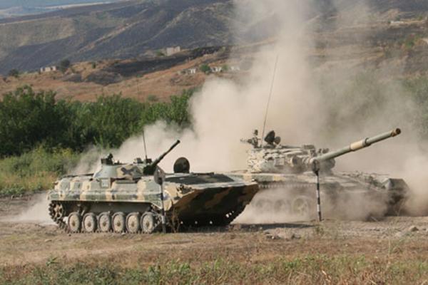 Госдеп США: Армения и Азербайджан имеют больше БМП, чем должны